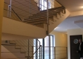 5-apartamenty-piaski-klatka-schodowa-granit-stal