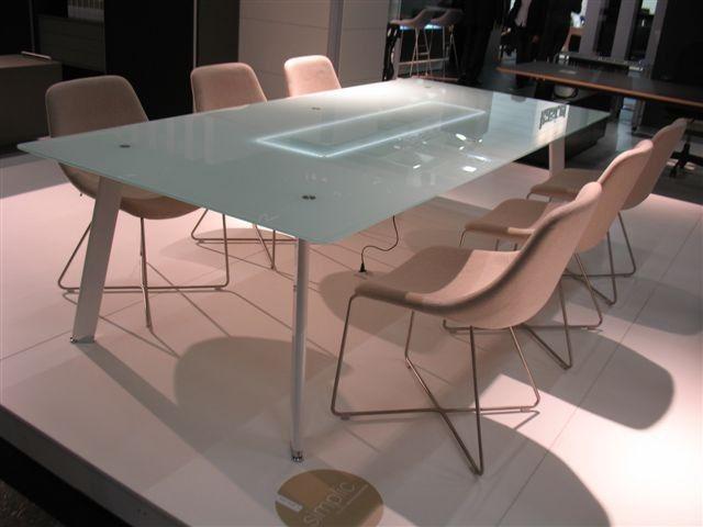 podświetlany stół konferencyjny