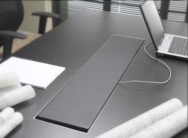 nowoczesne biurko gabinetowe z listwą