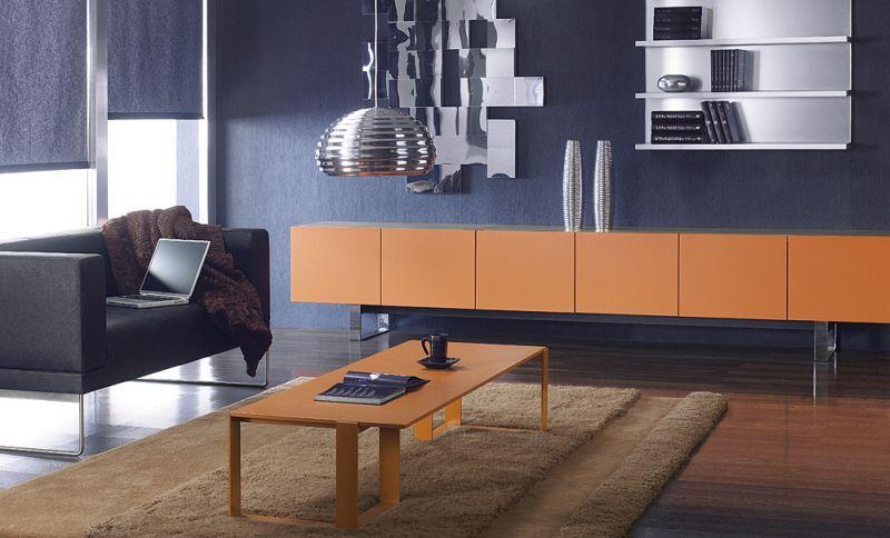 pomarańczowy stolik gabinetowy