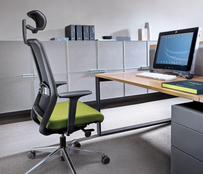 nowoczesny fotel biurowy na kręgosłup