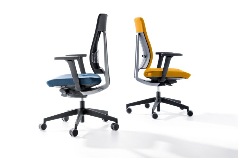 obrotowe fotele do biura do dobre na kręgosłup