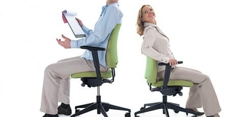 Jakie krzesła i fotele biurowe wybrać i kupić?