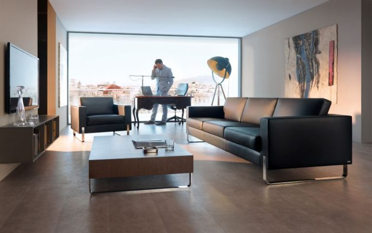 - Kolekcja Stolik kawowy drewniany – relaks i interesy