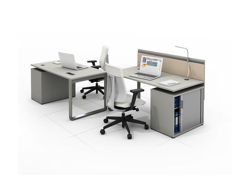 biurka ergonomiczne i fotel biurowy