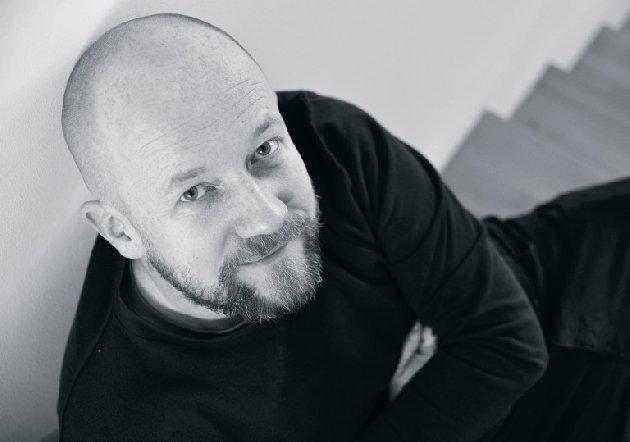 Projektant mebli biurowych Piotr Kuchciński